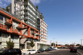 """Photo 24: 208 161 E 1ST Avenue in Vancouver: Mount Pleasant VE Condo for sale in """"BLOCK 100"""" (Vancouver East)  : MLS®# R2525907"""