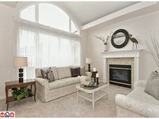 """Photo 2: 27 1881 144TH Street in Surrey: Sunnyside Park Surrey Townhouse for sale in """"Brambley Hedge"""" (South Surrey White Rock)  : MLS®# F1119123"""