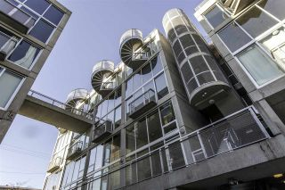"""Photo 33: PH610 1540 W 2ND Avenue in Vancouver: False Creek Condo for sale in """"The Waterfall Building"""" (Vancouver West)  : MLS®# R2580752"""