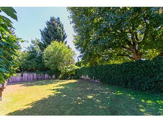 """Photo 3: 4940 5TH Avenue in Tsawwassen: Pebble Hill House for sale in """"PEBBLE HILL"""" : MLS®# V1138682"""