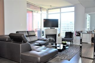 "Photo 3: 2501 1211 MELVILLE Street in Vancouver: Coal Harbour Condo for sale in ""The Ritz"" (Vancouver West)  : MLS®# R2572755"