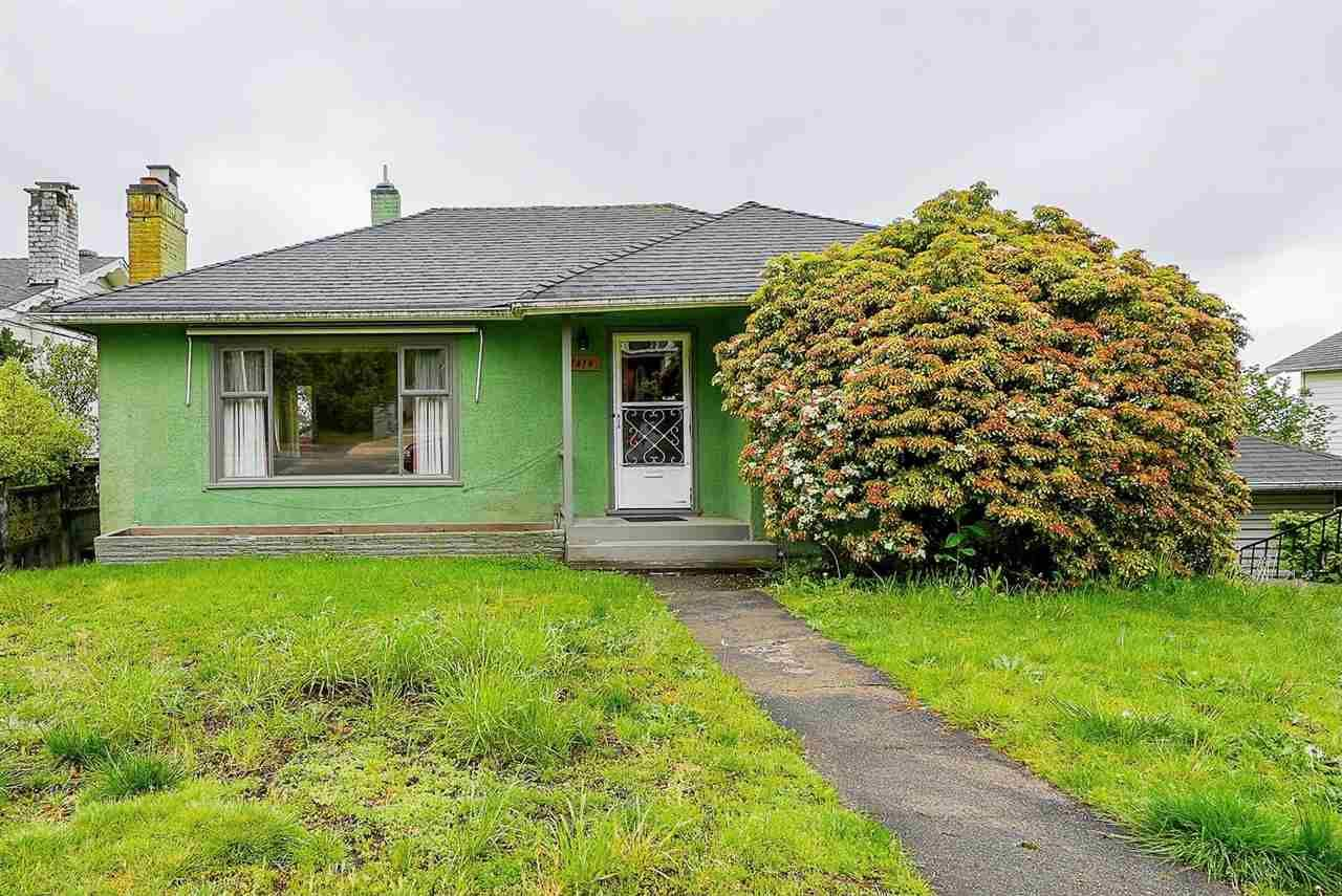 """Main Photo: 1414 NANAIMO Street in New Westminster: West End NW House for sale in """"West End"""" : MLS®# R2575991"""