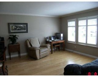 Photo 2: 6452 129A Street in Surrey: West Newton House for sale : MLS®# F2915690