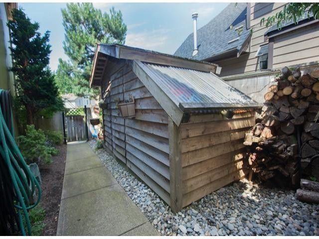 "Photo 13: Photos: 6754 NICHOLSON Road in Delta: Sunshine Hills Woods House for sale in ""Sunshine Hills"" (N. Delta)  : MLS®# F1316494"