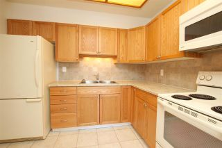 """Photo 3: 2306 3755 BARTLETT Court in Burnaby: Sullivan Heights Condo for sale in """"TIMBERLEA TOWER """"B"""""""" (Burnaby North)  : MLS®# R2138547"""
