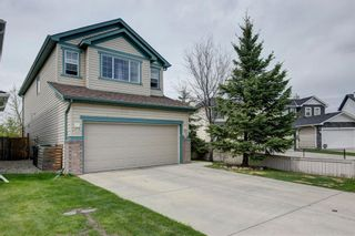 Photo 3: 50 Martha's Place NE in Calgary: Martindale Detached for sale : MLS®# A1119083