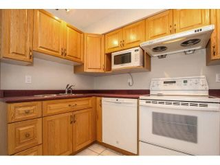 """Photo 9: 12 7549 HUMPHRIES Court in Burnaby: Edmonds BE Townhouse for sale in """"SOUTHWOOD COURT"""" (Burnaby East)  : MLS®# V1108085"""