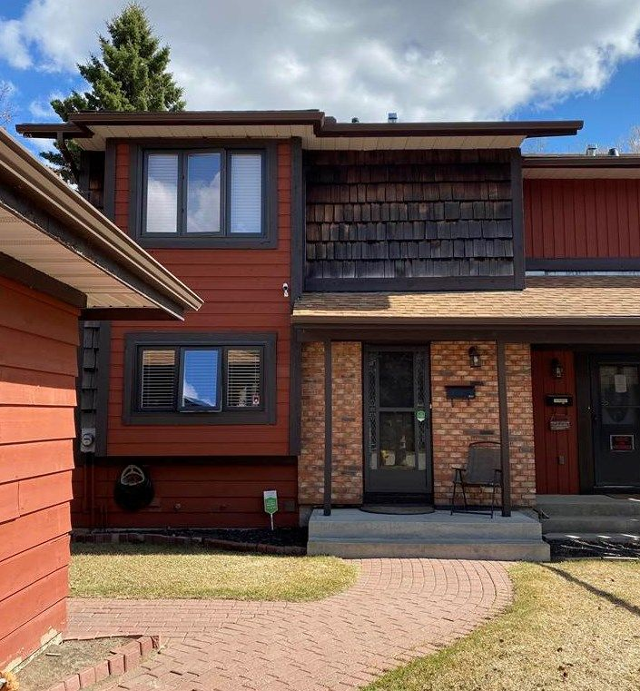 Main Photo: 44 LACOMBE Point: St. Albert Townhouse for sale : MLS®# E4253325