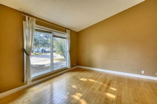 Photo 4: 240 Scenic Way NW in Calgary: Scenic Acres Detached for sale : MLS®# A1125995