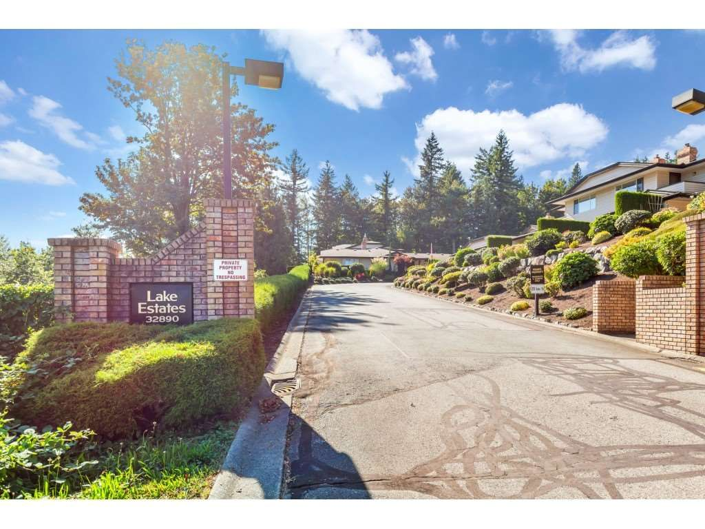 Main Photo: 3 32890 MILL LAKE ROAD in Abbotsford: Central Abbotsford Townhouse for sale : MLS®# R2494741