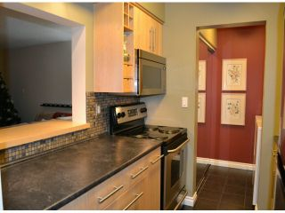 """Photo 3: 202 1410 BLACKWOOD Street: White Rock Condo for sale in """"CHELSEA HOUSE"""" (South Surrey White Rock)  : MLS®# F1228076"""