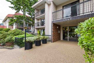 """Photo 2: 106 1442 BLACKWOOD Street: White Rock Condo for sale in """"BLACKWOOD MANOR"""" (South Surrey White Rock)  : MLS®# R2380049"""
