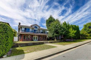 Photo 2: 4066 ETON Street in Burnaby: Vancouver Heights House for sale (Burnaby North)  : MLS®# R2595478