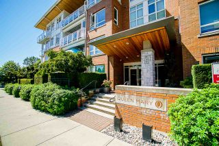 """Photo 2: 304 717 CHESTERFIELD Avenue in North Vancouver: Central Lonsdale Condo for sale in """"The Residences at Queen Mary by Polygon"""" : MLS®# R2478604"""