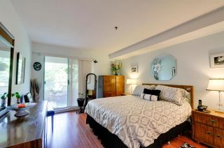 """Photo 13: 303 6737 STATION HILL Court in Burnaby: South Slope Condo for sale in """"THE COURTYARDS"""" (Burnaby South)  : MLS®# R2077188"""
