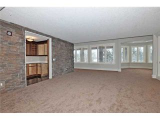Photo 13: 35 ELVEDEN Place SW in Calgary: Springbank Hill House for sale : MLS®# C3650760