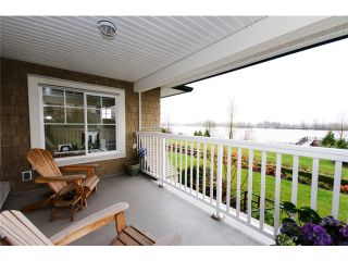 """Photo 9: 4 19452 FRASER Way in Pitt Meadows: South Meadows Townhouse for sale in """"SHORELINE"""" : MLS®# V881557"""