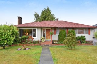 """Photo 1: 4785 FAIRLAWN Drive in Burnaby: Brentwood Park House for sale in """"Brentwood Park"""" (Burnaby North)  : MLS®# R2305657"""