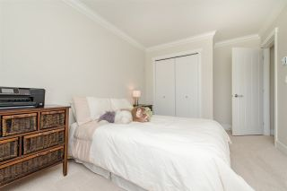 """Photo 14: 5 6378 142 Street in Surrey: Sullivan Station Townhouse for sale in """"KENDRA"""" : MLS®# R2172213"""