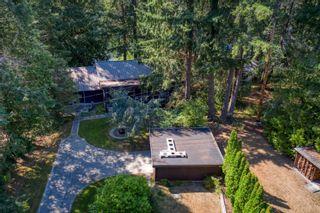Photo 2: 12757 LAGOON Road in Madeira Park: Pender Harbour Egmont House for sale (Sunshine Coast)  : MLS®# R2611974