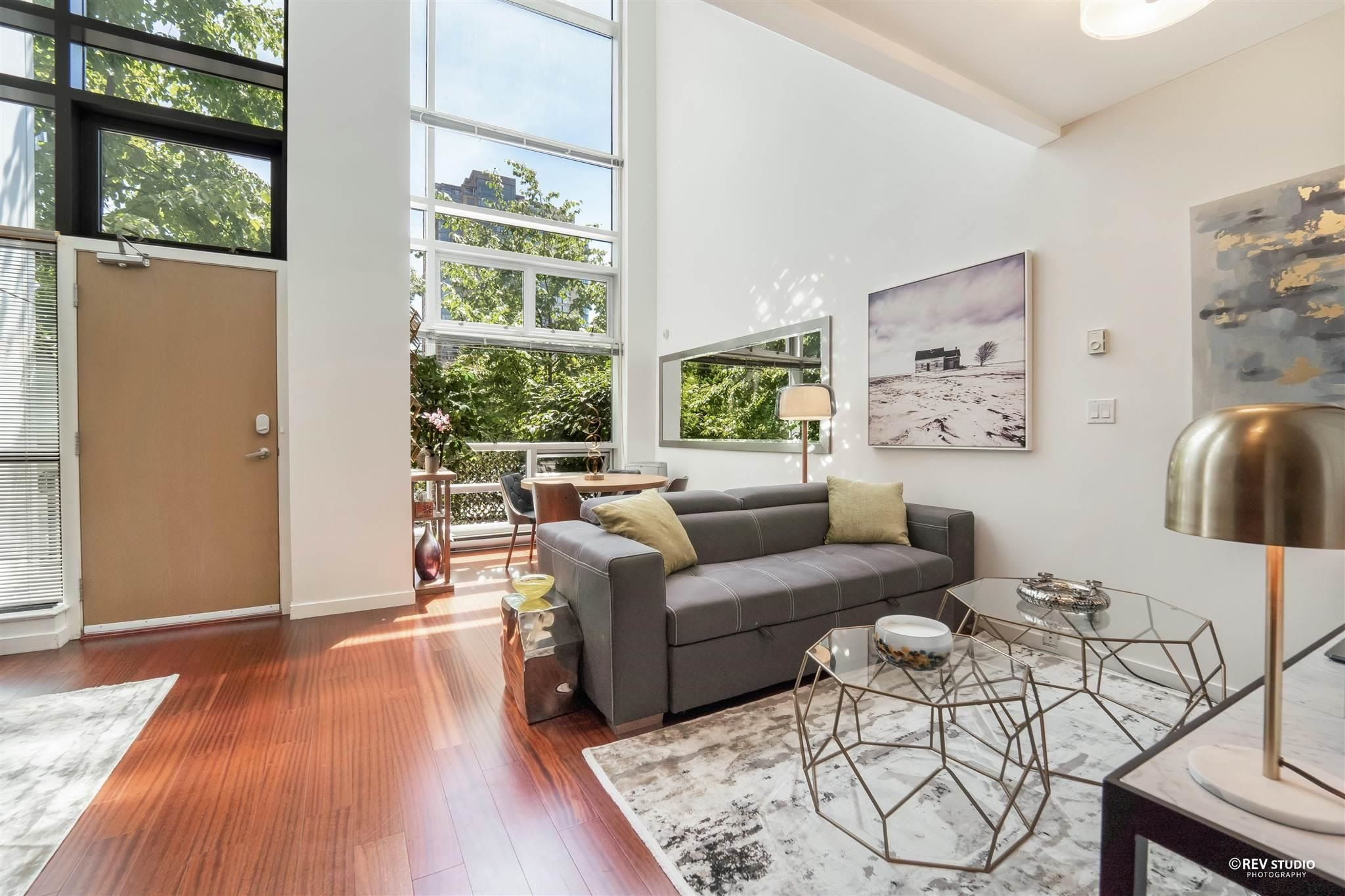 """Main Photo: 1139 SEYMOUR Street in Vancouver: Downtown VW Townhouse for sale in """"BRAVA"""" (Vancouver West)  : MLS®# R2619571"""
