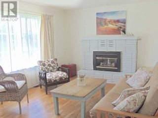 Photo 2: 425 DOUGLAS AVE in Penticton: House for sale