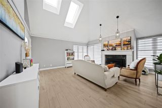 Photo 4: 201 3641 W 29TH Avenue in Vancouver: Dunbar Townhouse for sale (Vancouver West)  : MLS®# R2549344
