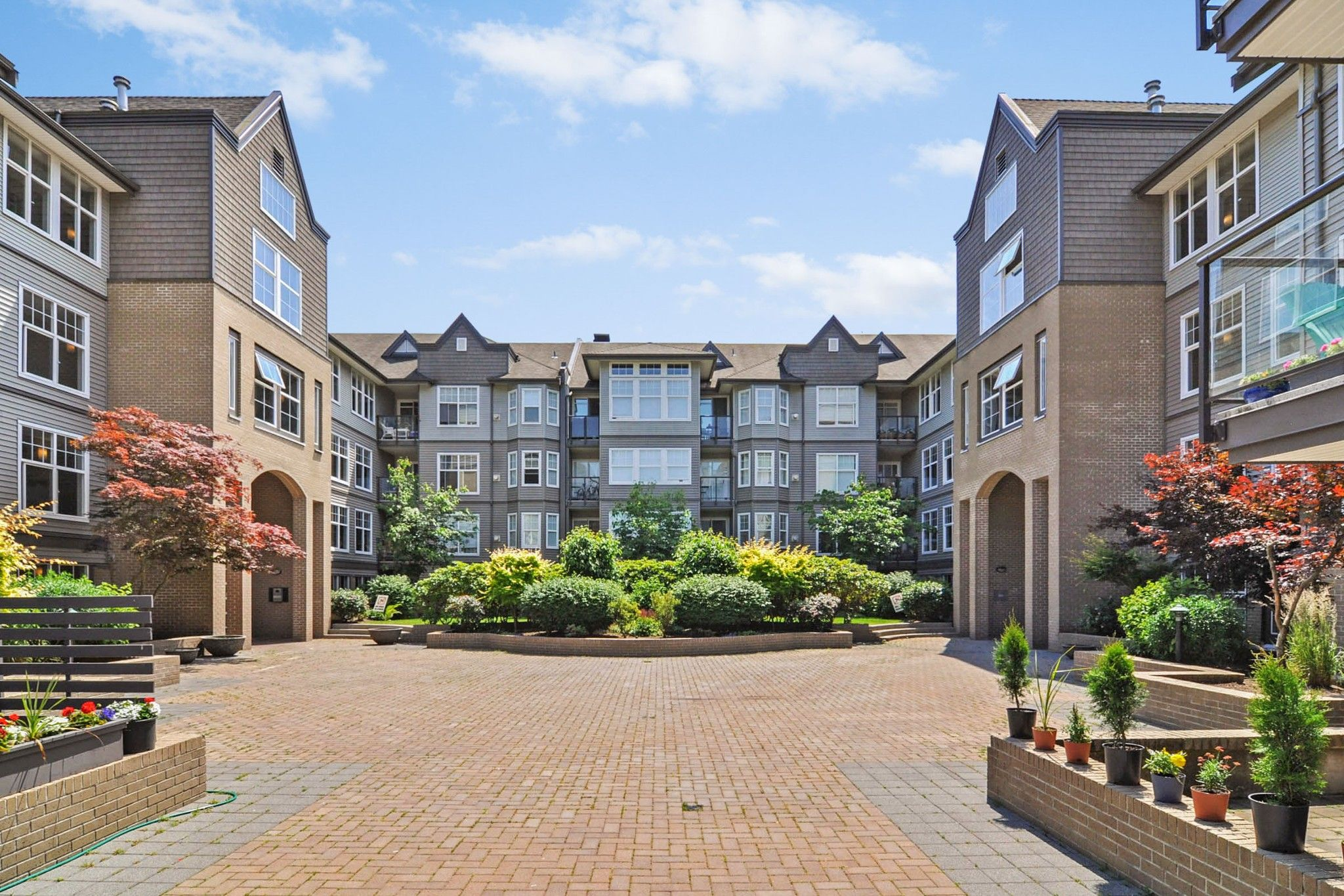 """Main Photo: 124 20200 56 Avenue in Langley: Langley City Condo for sale in """"THE BENTLEY"""" : MLS®# R2585180"""
