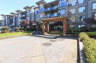 """Photo 3: 415 33539 HOLLAND Avenue in Abbotsford: Central Abbotsford Condo for sale in """"THE CROSSING"""" : MLS®# R2159342"""
