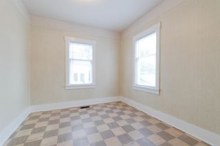 Photo 11: 412 SHILES Street in New Westminster: The Heights NW House for sale : MLS®# R2305639