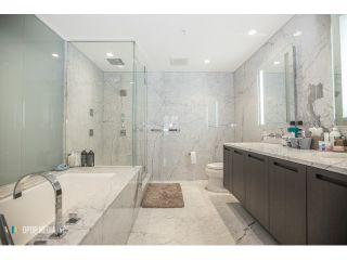 Photo 10: # 3903 1011 W CORDOVA ST in Vancouver: Coal Harbour Condo for sale (Vancouver West)  : MLS®# V1097902