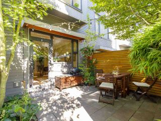"""Photo 11: 3790 COMMERCIAL Street in Vancouver: Victoria VE Townhouse for sale in """"BRIX"""" (Vancouver East)  : MLS®# R2487302"""