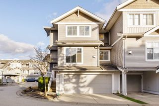 """Photo 2: 17 16760 61 Avenue in Surrey: Cloverdale BC Townhouse for sale in """"HARVEST LANDING"""" (Cloverdale)  : MLS®# R2541988"""