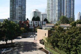 "Photo 3: 506 1009 EXPO Boulevard in Vancouver: Yaletown Condo for sale in ""LANDMARK 33"" (Vancouver West)  : MLS®# R2206751"