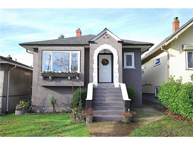 Main Photo: 645 SKEENA Street in Vancouver: Renfrew VE House for sale (Vancouver East)  : MLS®# V1101434