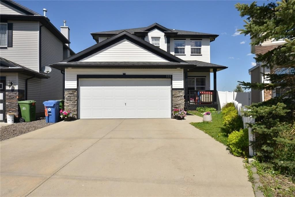 Main Photo: 121 EVERWOODS Court SW in Calgary: Evergreen Detached for sale : MLS®# C4306108