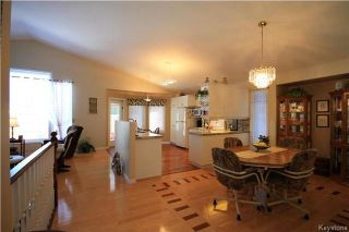 Photo 6: 205 Barlow Crescent in Winnipeg: River Park South Residential for sale (2F)  : MLS®# 1729915