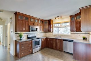 Photo 7: 6419 Travois Crescent NW in Calgary: Thorncliffe Detached for sale : MLS®# A1101203