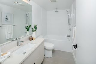 Photo 16: 1535 E 5TH Avenue in Vancouver: Grandview Woodland 1/2 Duplex for sale (Vancouver East)  : MLS®# R2439522