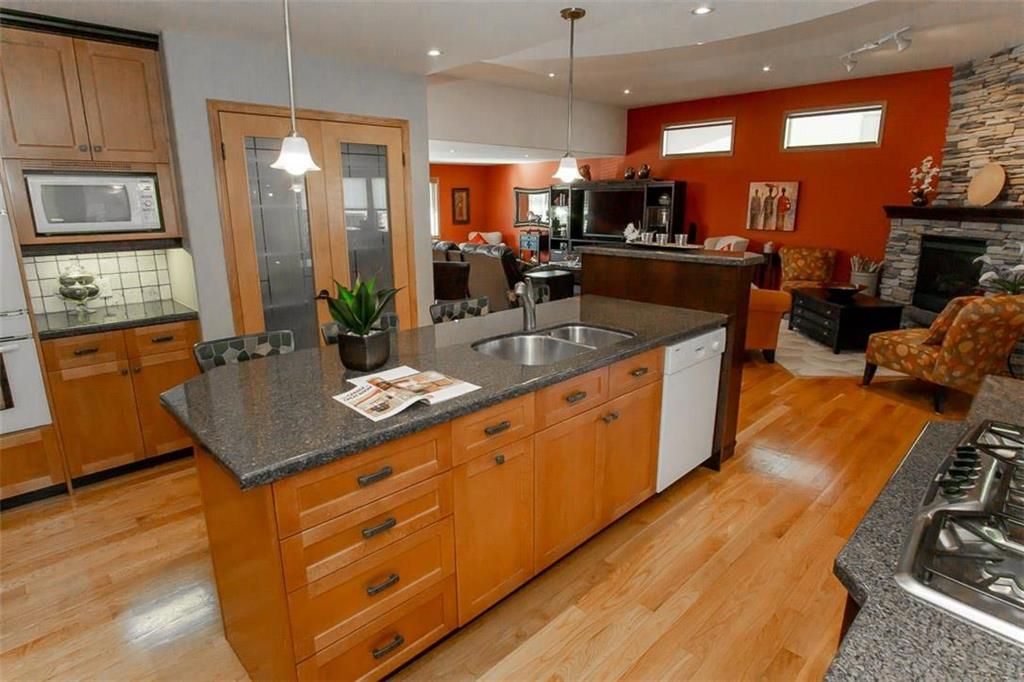 Photo 12: Photos: 23 Tiverton Bay in Winnipeg: River Park South Residential for sale (2F)  : MLS®# 202008374