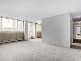 """Photo 3: 706 620 SEVENTH Avenue in New Westminster: Uptown NW Condo for sale in """"CHARTER HOUSE"""" : MLS®# R2391698"""