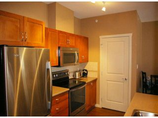 "Photo 5: 401 33328 E BOURQUIN Crescent in Abbotsford: Central Abbotsford Condo for sale in ""NATURES GATE"" : MLS®# F1430501"