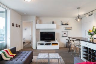 """Photo 3: 907 189 KEEFER Street in Vancouver: Downtown VE Condo for sale in """"Keefer Block"""" (Vancouver East)  : MLS®# R2439684"""