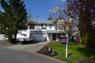 """Main Photo: 9488 209B Crescent in Langley: Walnut Grove House for sale in """"Walnut Grove"""" : MLS®# R2053844"""