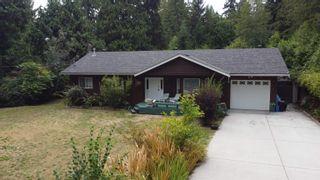 Photo 2: 1559 PARK Avenue: Roberts Creek House for sale (Sunshine Coast)  : MLS®# R2613701