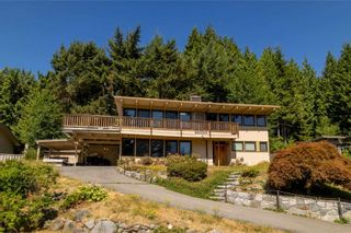 """Photo 1: 87 GLENMORE Drive in West Vancouver: Glenmore House for sale in """"Glenmore"""" : MLS®# R2604393"""
