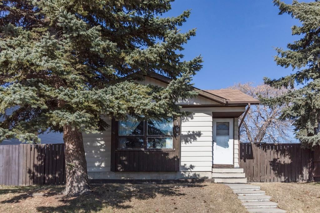 Main Photo: 191 Erin Woods Drive SE in Calgary: Erin Woods Detached for sale : MLS®# A1093172