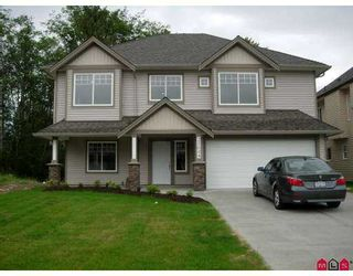 Photo 1: 27009 35TH Avenue in Langley: Aldergrove Langley House for sale : MLS®# F2714992