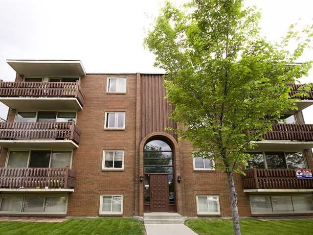 Main Photo: 222 1417 7 Avenue NW in CALGARY: Hillhurst Condo for sale (Calgary)  : MLS®# C3480474