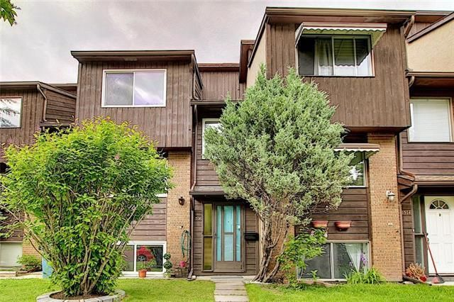 Main Photo: 1516 RANCHLANDS Way NW in Calgary: Ranchlands Row/Townhouse for sale : MLS®# C4302550